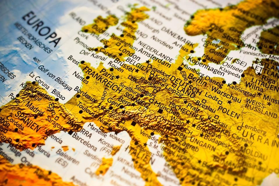 """FORO DE MILÁN                                   """"Europa: viejos ideales, nuevas decepciones"""""""