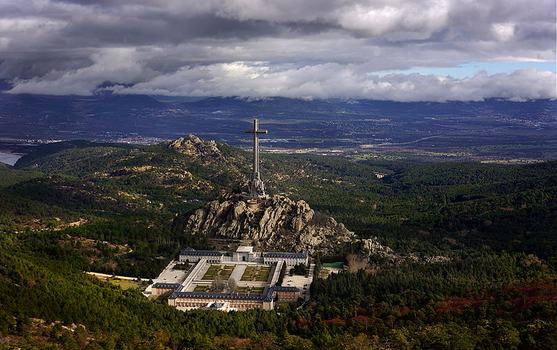 Primera orden de la democracia que obedece Francisco Franco después de 80 añossublevado